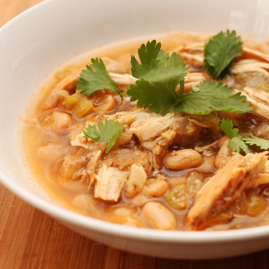 Slow Cooker White Bean and Chicken Chili