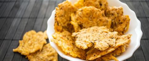 Parmesan Cheesy Cracker Crisps image