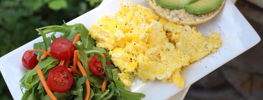 Arugula Egg Scramble image